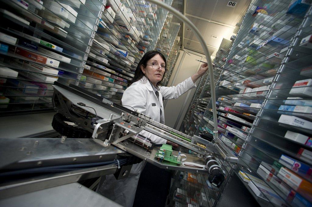 Pharmaceutical Dispensing Robot