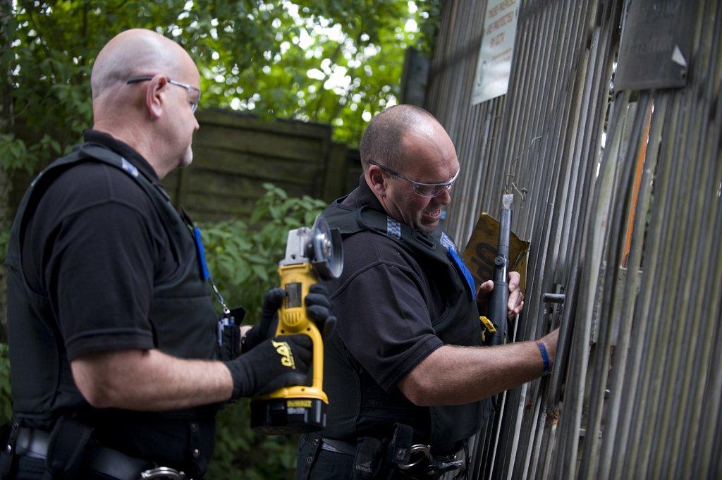 Police Scrap Yard Raid