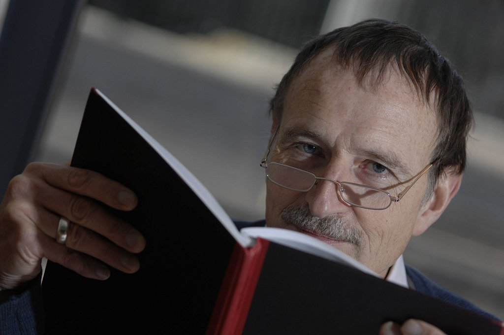 Stephen Admson, writer